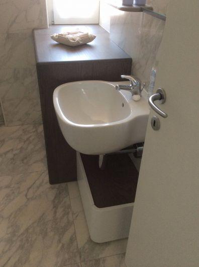 bagno con portalavatrice - arredo bagno - falegnameria ferrari ... - Arredo Bagno Con Portalavatrice