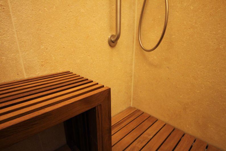 Bagno in legno di teak arredo bagno falegnameria ferrari