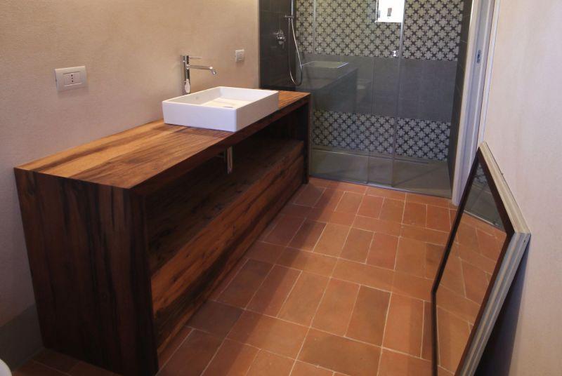 Mobili bagno in rovere antico arredo bagno for Arredo bagno piacenza e provincia